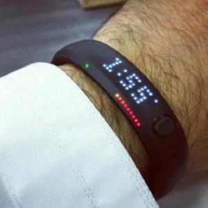 شراء ساعة نايك فيول في الامارات